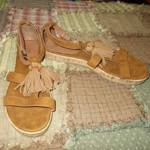 Mossimo Tassel Sandals Size 10
